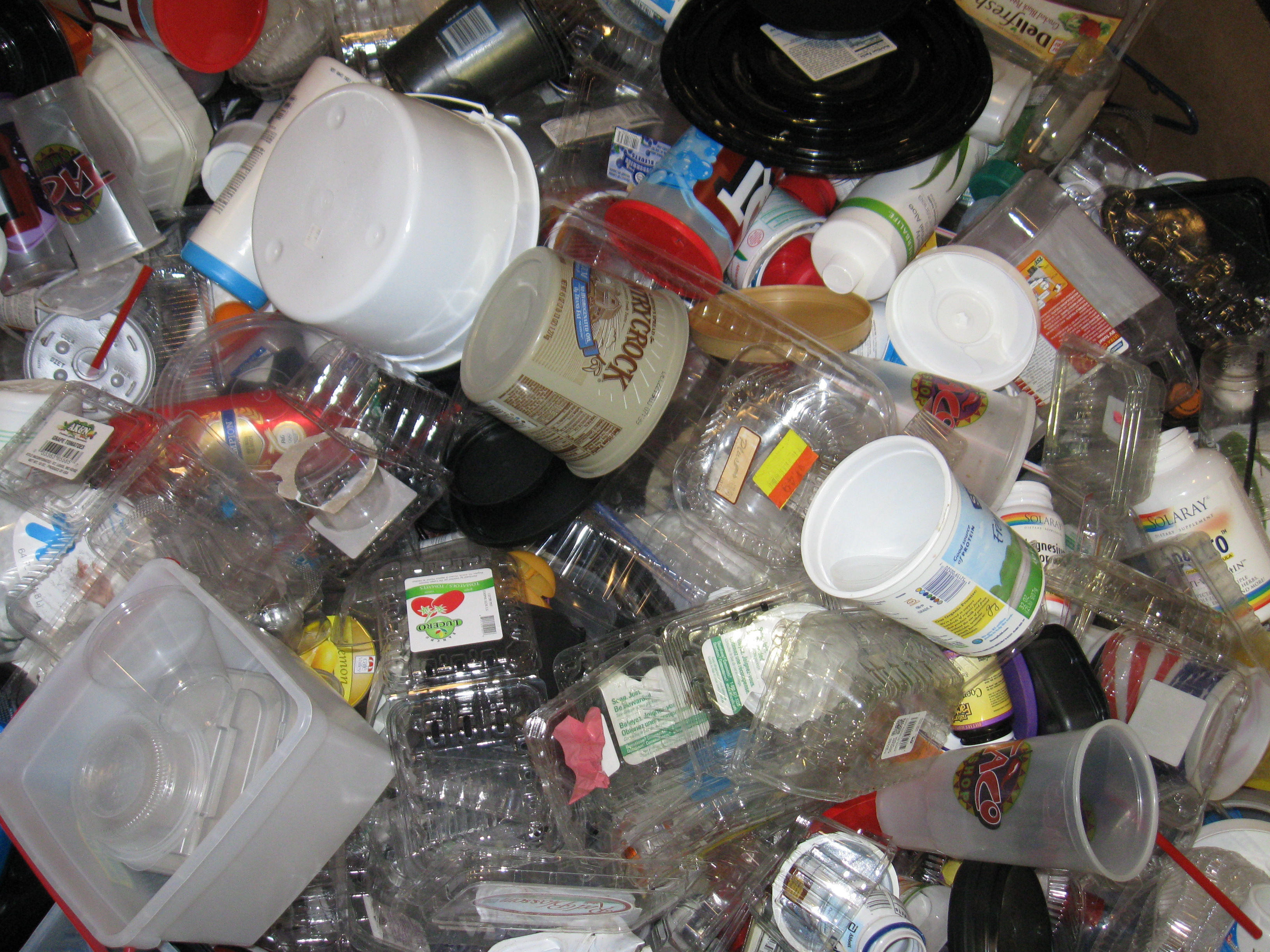 Mixed Plastic – margarine, yogurt, drink cups, food trays (clear&black), medicine containers, dark bottles.  NO plastic bags, Styrofoam or styrene (foam clamshell carryout containers, meat trays, etc.) All metal MUST be removed!